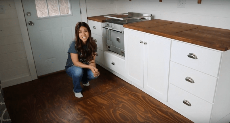 Tiny house living tracking the tiny world for House kitchen cabinets