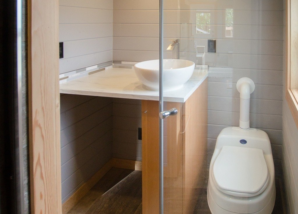 The Blue Heron by Rewild Homes - Bathroom