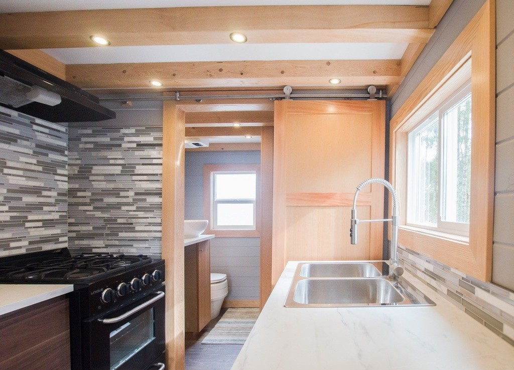 The Blue Heron by Rewild Homes - Kitchen 2